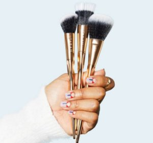 FARAH BE BEAUTIFUL. BE YOU Gold Face Brush Trio Set 3 pincéis