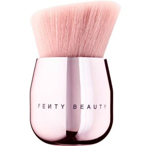 Fenty Beauty 160 Cheek-Hugging Bronzer Brush pincel