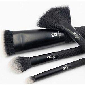 Moda Pro 4pc Iconic Glow Makeup Set, Black