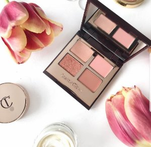 Charlotte Tilbury Luxury Pillow Talk Collection paleta de sombras