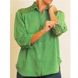 Camisa Plus Size de Tencel Renda Verde
