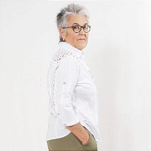 Camisa Plus Size de Cambraia de Linho e Lesis Branca