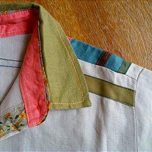 Camisa Plus Size de Linho Detalhe Colorido