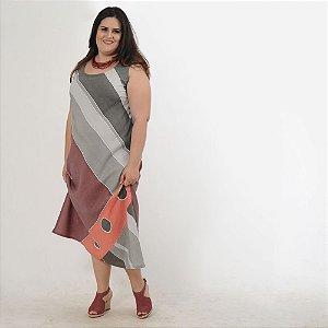 Vestido Plus Size de Tencel Estampado à Mão Vinho e Cinza