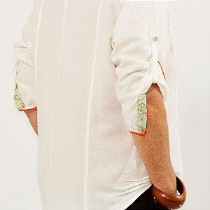 91c0d449c Camisa Plus Size de Linho Pérola Detalhe Colorido