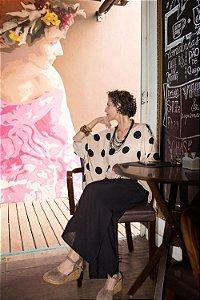 Blusa Soft Decote V Viscolinho Poá Areia|Preto