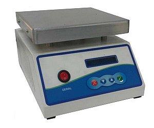 AGITADOR MAGNETICO DIGITAL COM AQUECIMENTO 12L 2000RPM 220V 180X180MM