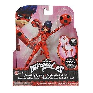 Miraculous As Aventuras de Ladybug - Ladybug Pula e Voa
