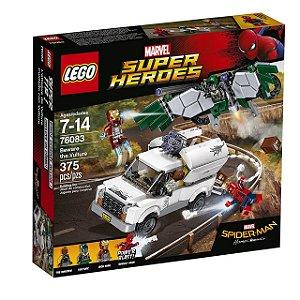 LEGO Super Heroes - Cuidado com Vulture 76083