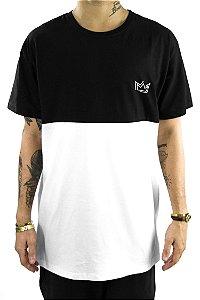 Tshirt em recorte preto/branco estilo oversized