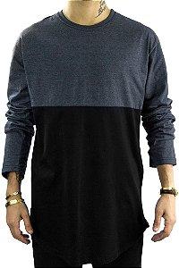 T-shirt manga longa estilo long line em recorte preto/chumbo