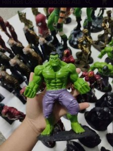 Boneco Hulk De Resina Marvel