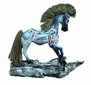 Cavalo Madeira Branco