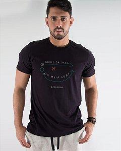 Camiseta Masculina Estampada Preta Drible da Vaca