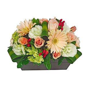 Arranjo de Flores Nobres Jardineira Elegante