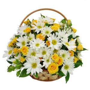 Cesta de Margaridas Com Rosas Amarelas