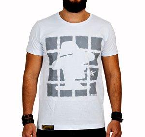 Camiseta Sacudido's Quadrados Branco e Cinza