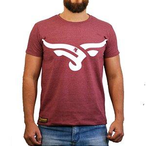 Camiseta Sacudido's Cabeça Boi Estilizada Vinho Mescla
