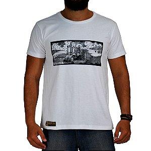 Camiseta Sacudido's Trator Paisagem - Branco
