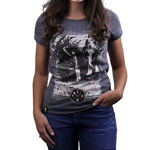 Camiseta Sacudido's Feminina - Foto Cavalo - Cinza