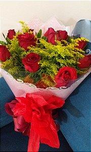 Buquê com 12 rosa Vermelhas