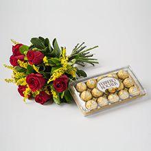 Buquê com 12 rosas e 01 caixa de ferrero com 12 unidades