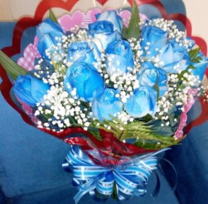 Buque de rosas azul