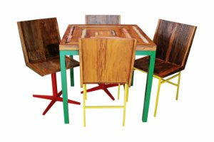 Conjunto Mesa e Cadeiras de Madeira de Demolição