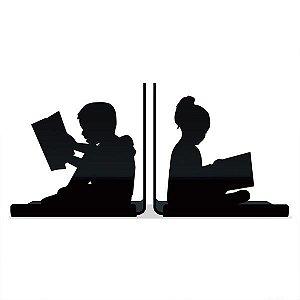 Aparador de Livros Crianças Lendo
