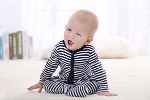 Macacão de bebê P&B