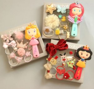 Kit com Acessórios de cabelo + Escova Princesas
