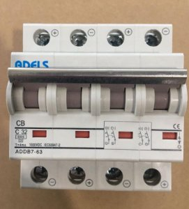 Disjuntor CC 4P 32A 1000VDC ADDB7-63 ADELS