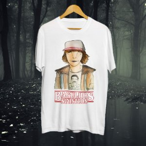 """Camisa """"Bagulhos Sinistros"""" - Dustin"""