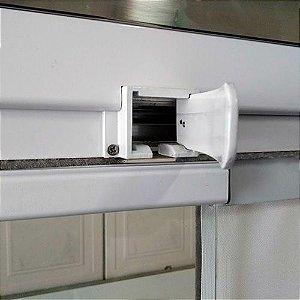 Saída superior da roldana com guia de alumínio para fechamento de sacada