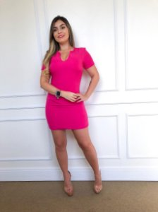 Vestido Curto Pink Corte Reto e Decote V