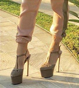 Sandália Plataforma Meia Pata Couro Bege Diana