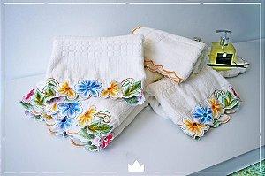Jogo de banho 5 peças com bordado colorido