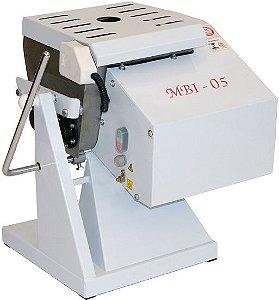 MBI 05 - AMASSADEIRA BASCULANTE 7 KGS MONOF. 1/3CV Bivolt automático
