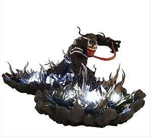 Figure Estátua Venom com luz de LED Marvel - Cinema Geek
