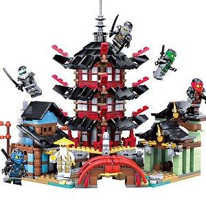 Blocos de Montar Ninjago Templo Airjitzu 737 peças + 6 Personagens - Blocos