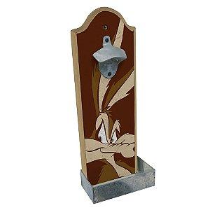 Abridor de Garrafas com Suporte para Parede em Madeira Looney Tunes Coiote - 36 cm