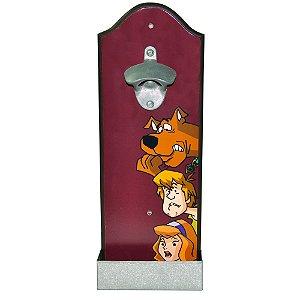 Abridor de Garrafas com Suporte para Parede em Madeira HB Scooby-Doo, Salsicha e Daphne - 36 cm