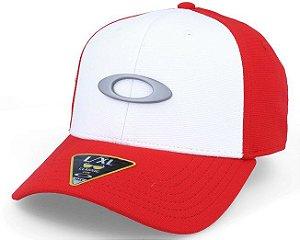 Boné Oakley Tincan - Vermelho e Branco - S M - Médio 9530a01a631