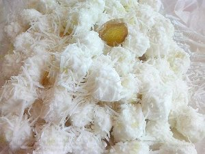 Bala de coco geladas sabor gengibre 1 kg - Produto caseiro - Feito por encomenda