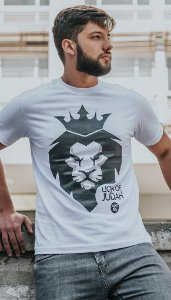 """Camiseta """"LEÃO DE JUDAH"""""""