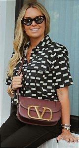 Camisa Cropped Geométrica P&B Cláudia | DNA BLESSED