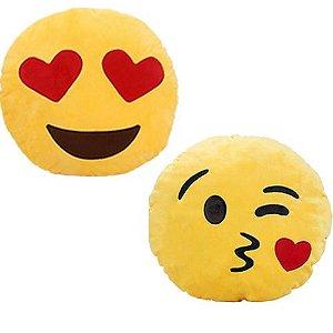 Kit 2 Almofadas Emoticon Emoji Oficial Antialérgica Apaixonado E Beijinho 33cm