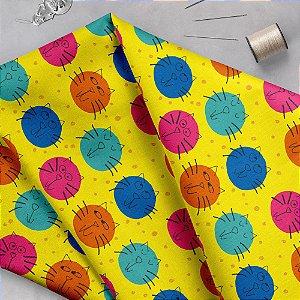 Tecido  -  Gatos Bolas - fd amarelo