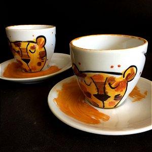 Conjuntinho 2 xicaras de chá  Leoa