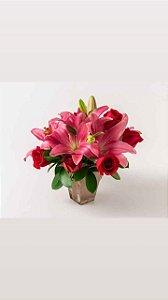 Arranjo de Lírio com Rosas